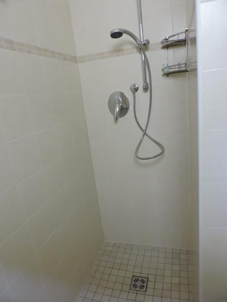 Bagno ristrutturato con box doccia